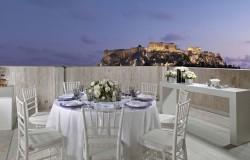 Το ατμοσφαιρικό Roof Top του 8ου ορόφου για exclusive εκδηλώσεις με φόντο την Ακρόπολη