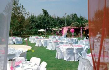 Άποψη του εξωτερικού κήπου & πώς μπορεί να διαμορφωθεί για γαμήλια δεξίωση