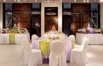 Άψογο art de la table και υπέροχα διακοσμημένα buffets για γαμήλια δεξίωση