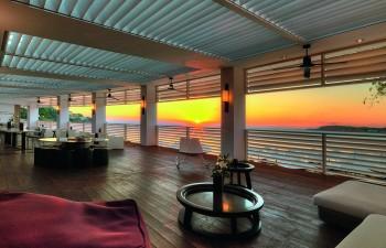 Μοναδικό ηλιοβασίλεμα από το Platinum Lounge