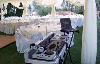Εξοπλισμός υψηλών προδιαγραφών & αισθητικής για την απόλυτη επιτυχία του πάρτι σας