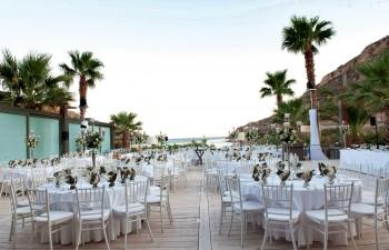 Ο χώρος του Mojito Bay διαμορφωμένος για γαμήλια δεξίωση