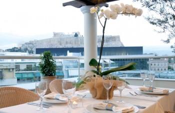 Απολαύστε την εκδήλωσή σας με θέα στον Ιερό Βράχο της Ακρόπολης
