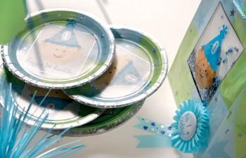 Μόνο η Bee Party μπορεί να προσφέρει τόσα διαφορετικά σχέδια & διακοσμητικά για τα πρώτα ξεχωριστά γενέθλια