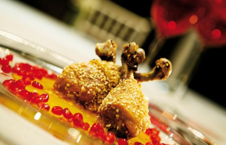 Tραγανές μπουκίτσες κοτόπουλο με σουσάμι, μέλι & ρόδι